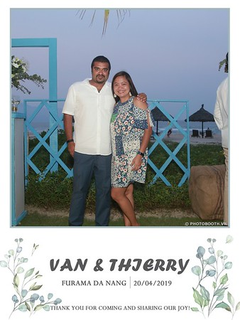 VT-wedding-instant-print-photo booth-in-Da-Nang-chup-hinh-in-anh-lay-ngay-Tiec-cuoi-WefieBox-photobooth-Vietnam-39