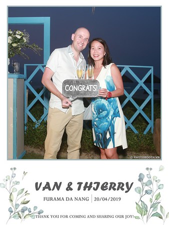 VT-wedding-instant-print-photo booth-in-Da-Nang-chup-hinh-in-anh-lay-ngay-Tiec-cuoi-WefieBox-photobooth-Vietnam-44