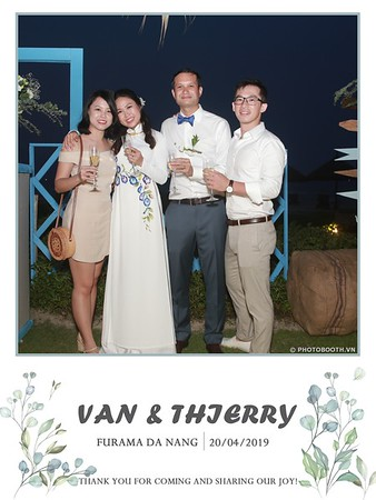 VT-wedding-instant-print-photo booth-in-Da-Nang-chup-hinh-in-anh-lay-ngay-Tiec-cuoi-WefieBox-photobooth-Vietnam-48