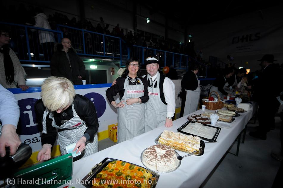 26.3 2011: Kostymetoget, arrangement på Nordkraft Arena med Sjørøverfest med kaptein Rødskjegg og følge. Frivillige VU-arbeidere gjør en flott jobb.+