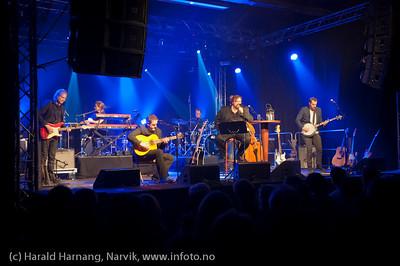 30.3.2011: Konsert Lokstall 1: I ljuset av Cornelis. Med Hans-Erik Dyvik Husby og Jack Vreeswijk med komp. Full sal.