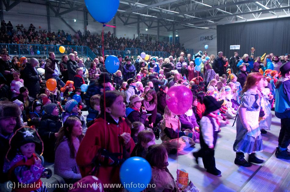 26.3 2011: Kostymetoget, arrangement på Nordkraft Arena med Sjørøverfest med kaptein Rødskjegg og følge.