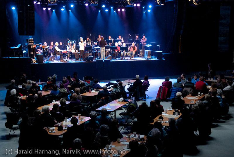 27.3.2011: Da Capo-show med Vidar Lønn Arnesen. Også storbandjazz med solister. LKAB BIg Band sammen med Emilie Storø.