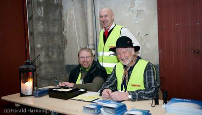 2.4.2011: Konsert Lokstall 1, Arctic Mood. Jazz og bilde/video av Brynjar Rasmussen (foto) og Werner Anderson (komp). Salg av bok etter forestilling, som vanlig av frivillig VU-mannskap.