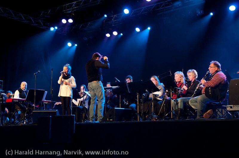 27.3.2011: Da Capo-show med Vidar Lønn Arnesen. Også storbandjazz med solister. Emilie Storø sammen med LKAB Big Band. Emilie er i en egen klasse.