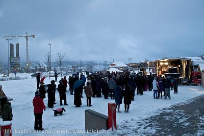 VU2011, offisiell åpning på torget. Snø og dårlig vær.