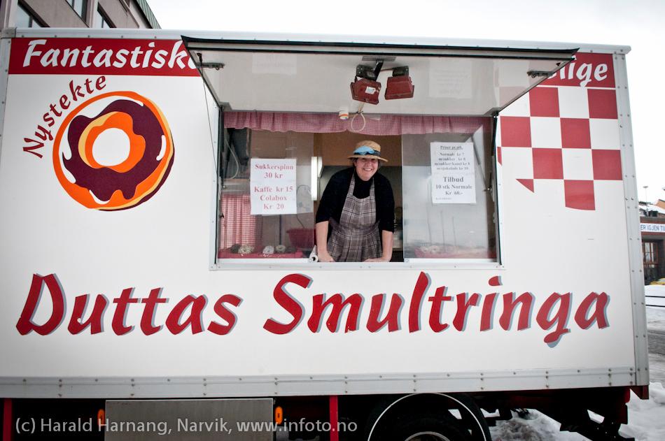 VU-2011, boder på torget. Ingen VU uten Duttas smultringer.