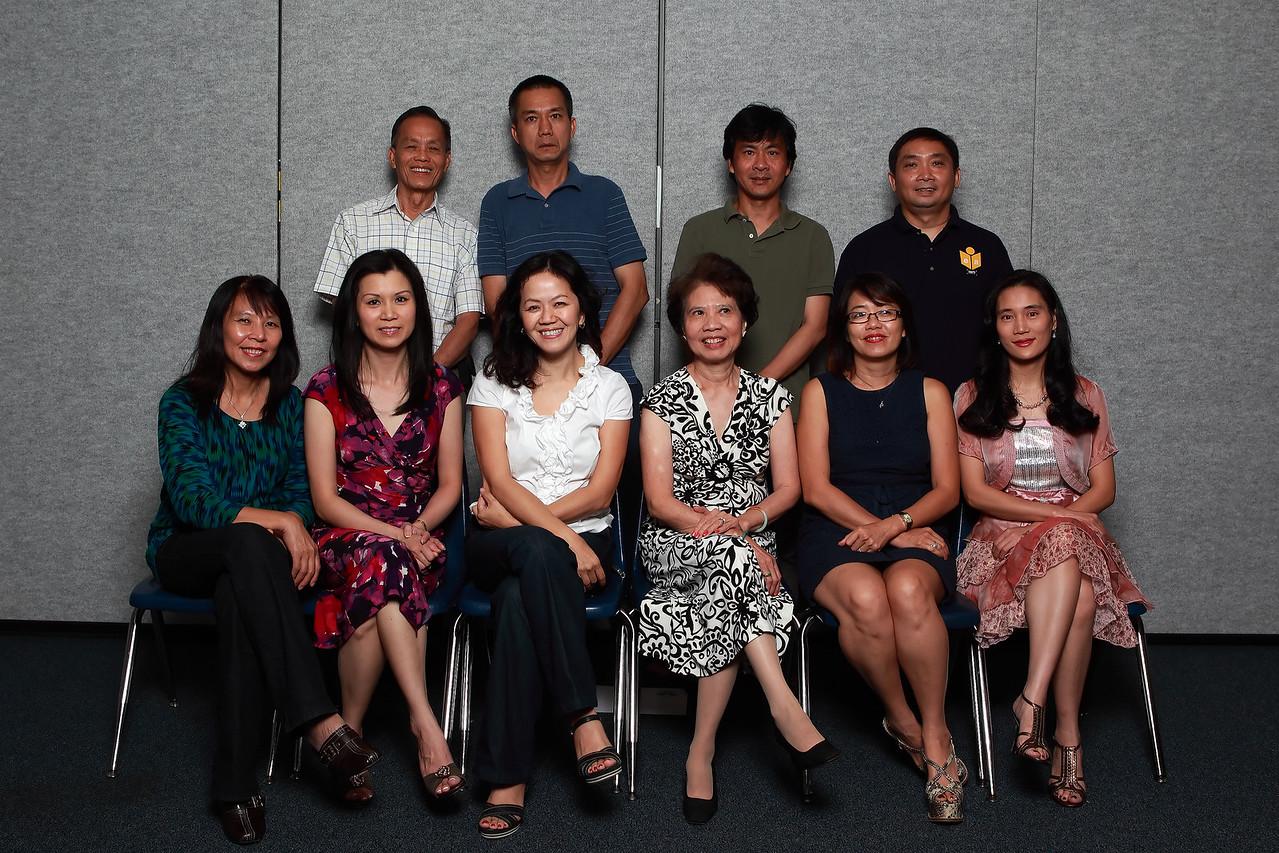 Ban Văn Nghệ - cô Thúy Thanh trưởng ban (second from left)<br /> Di - Sơn - XY - Chí<br /> XX1 - Thúy Thanh - XX2 - Thu Cúc - Jacqueline Kim Dung - XX3