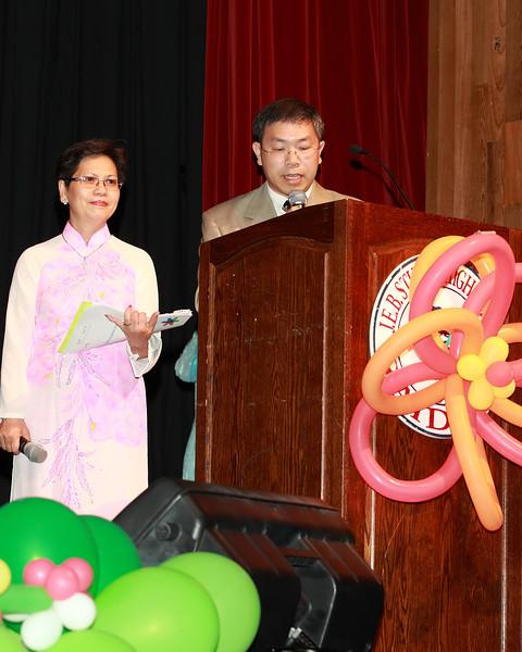 MC - cô Linh Nguyệt và thầy Quang