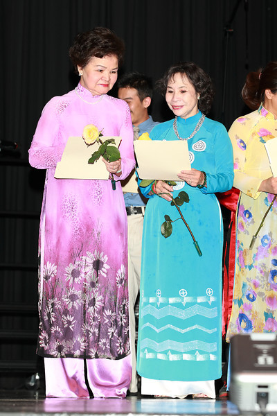 Members of the VYEA Advisory board - Cô Mộng Hoa, cô Kim Oanh.