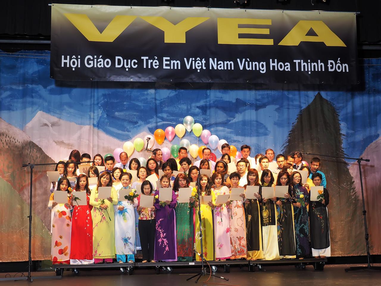 """Các Thầy Cô - """"Việt Nam Quê Hương Ngạo Nghễ"""""""