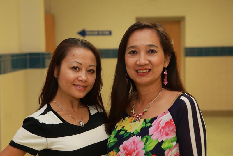 (Right) Lê Bích Phượng, VYEA Parent in chief and VATV/SBTN reporter