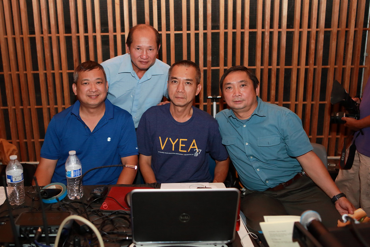 Anh Võ Thanh Sơn - and the men behind the show.