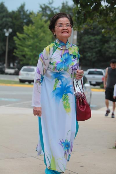 Cô Lê Tống Mộng Hoa, a VYEA founder, a Summer School Principal