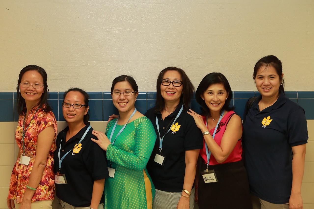 Office Staff - Ban Giám Thị, Diệp, Moon, Karen, Hàn Ni, Bích Hồng, Kim Cương