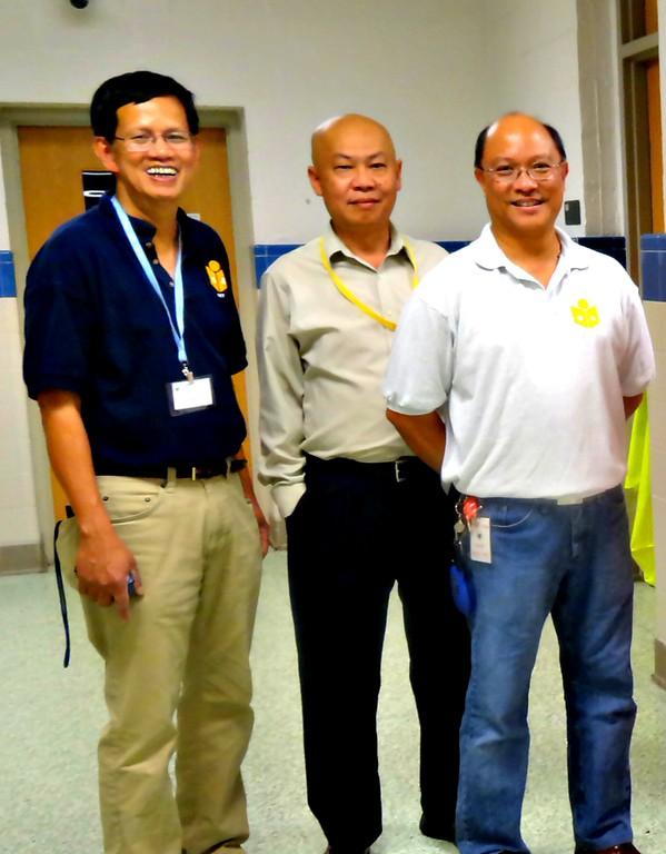 Directing traffic, holding umbrella, safety and order during Summer School,<br /> Presenting the three muskateers...<br /> Nguyễn Tự Trọng, Thái Xuân Nhất, Nguyễn Hữu Bảng.