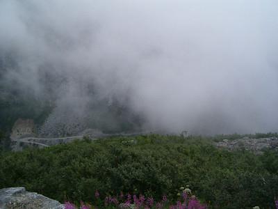 la strada dei Troll, immersa nelle nuvole...