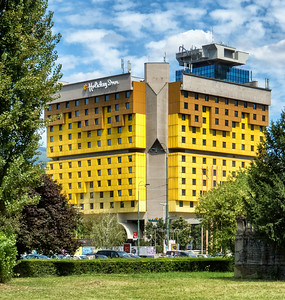 Yes - it is just a Holiday Inn - but it is also where in the first shots of the Bosnian War started on April 5, 1992 when Radovan Karadzic ordered snipers in the Holiday Inn to fire on thousands of Peace Protestors