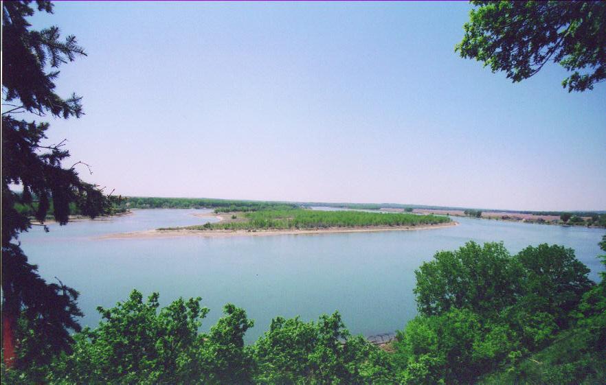 The Missouri River as seen from Yankton, South Dakota.