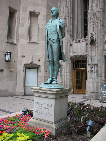 Statue of Nathan Hale at the Tribune Building.