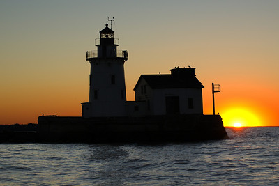 Cleveland Harbor West Pierhead Lighthouse silloette 4