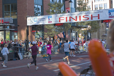 Sues Columbus marathon 7 102107