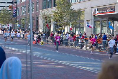 Sues Columbus marathon 5 102107