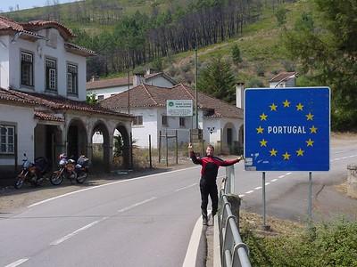 010_001_DSC00093_Ilya_near_Portugese_border