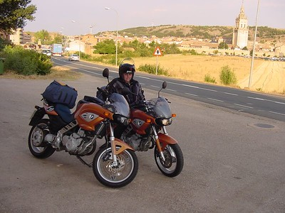 003_001_DSC00085_Sam_w_bikes