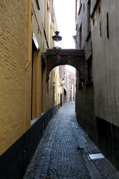 I love the old skinny alleys