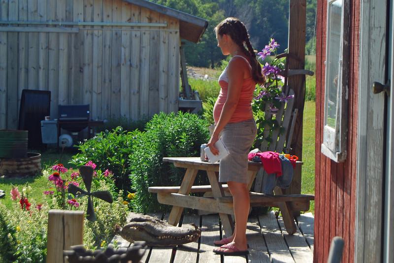 0021 Kristen on porch