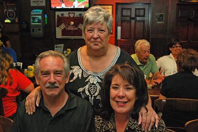 0030 Jack Coni and Linda at Irish Tavern Thingie