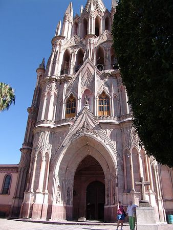 The main church of San Miguel.  It really is pink.  Alison and Mom in front.