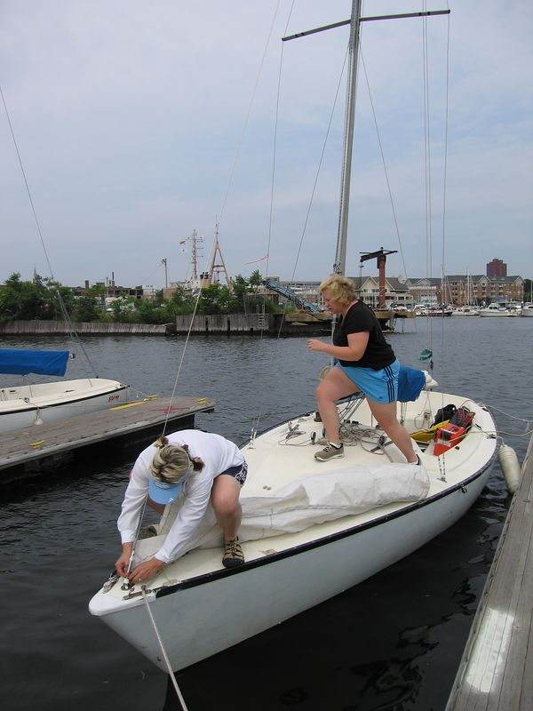Kelly and Jen prepare the boat