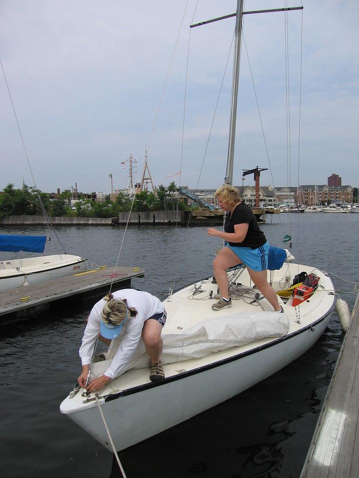 Kelly and Jen prepare the boat
