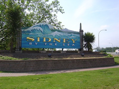 We immediately drove from Victoria north to Sidney.  It's a quaint town with a nice shopping district.