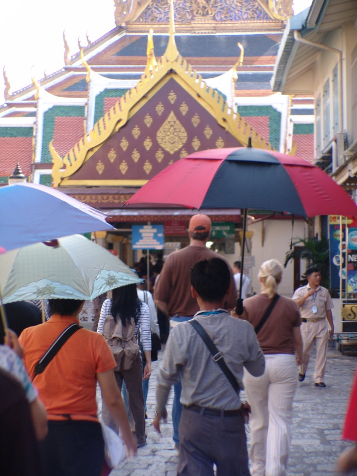 Walking into the Grand Palace.  Because I have a couple of galleries that include the Grand Palace, I focused this time on taking shots I hadn't taken before.