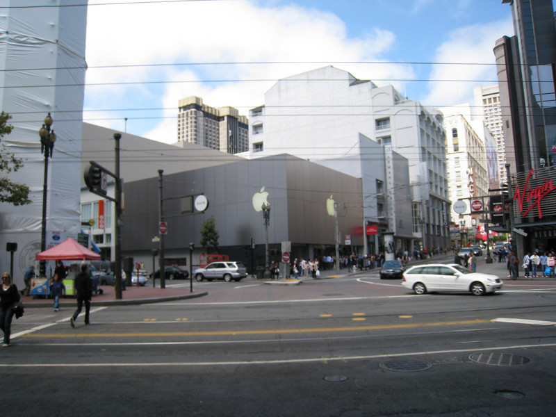 Notice the Apple store... yes, this was the first stop in San Francisco. Taylor was quite excited.