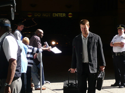 Jeff Kent leaving the Westin on the way to Citizens Bank Ballpark