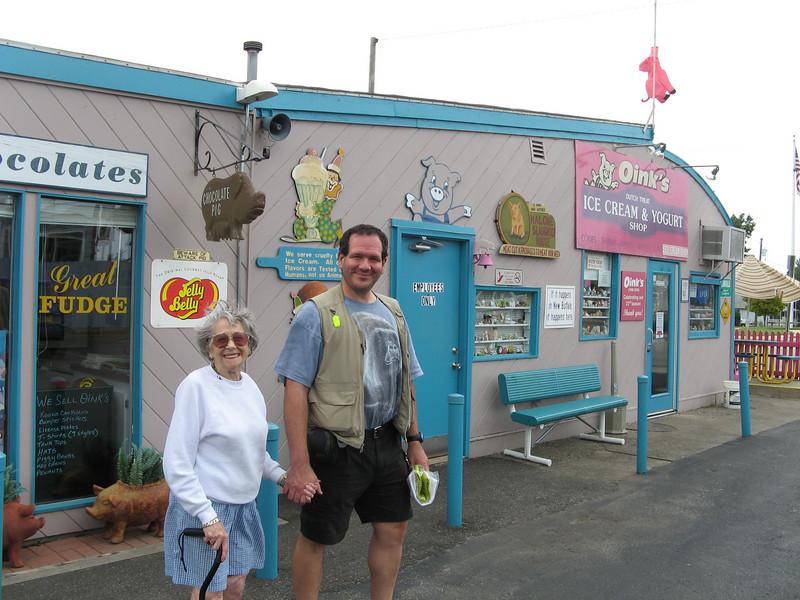 Titi Hilda and Ed at Oink's, New Buffalo MI