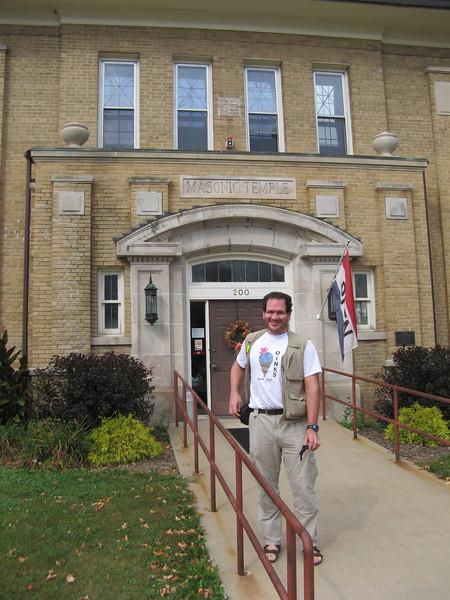 Ed in front of the Deke Slayton Museum.