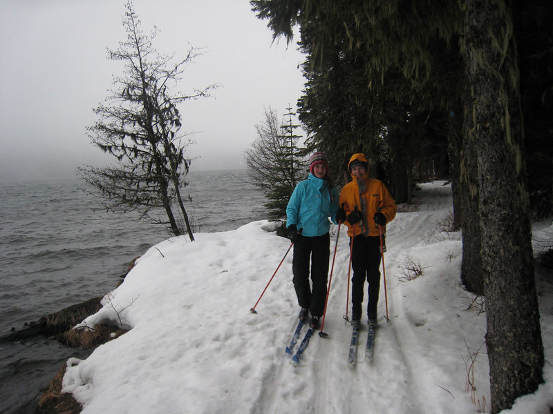 Maddy and Perrin along Odell Lake