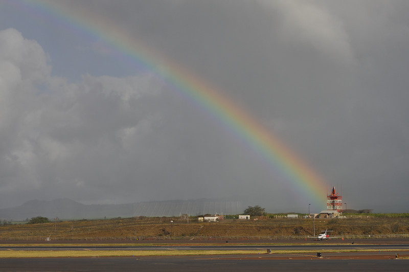 Arrival at Kahaluhi...the Chamber of Commerce arranged a full rainbow.  Wonderful stuff...