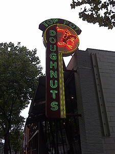 """On our bucket list was """"Top Pot Doughnuts"""".  Bryan took his mom there.  She ended up buying a dozen to take back to LA."""