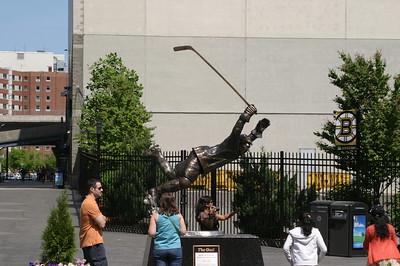 Statue of Bobby Orr