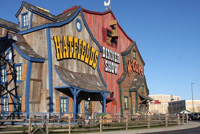 Hatfields & McCoys Dinner Show