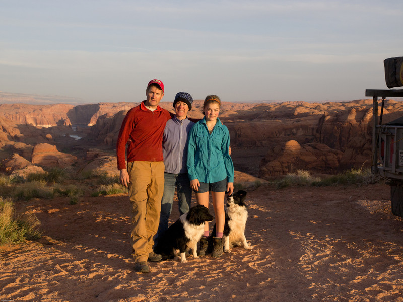 Hole in the Rock Trail<br /> Family picture before our morning start