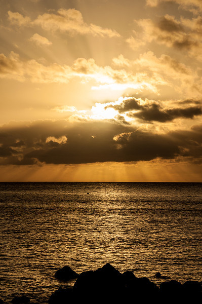 In the last few minutes as Hawaii rotates away from the sun - we see the fantastical rays that warm us and give us the earth we have