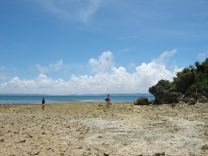 One this beach at low tide you can walk/wade out of the islands.