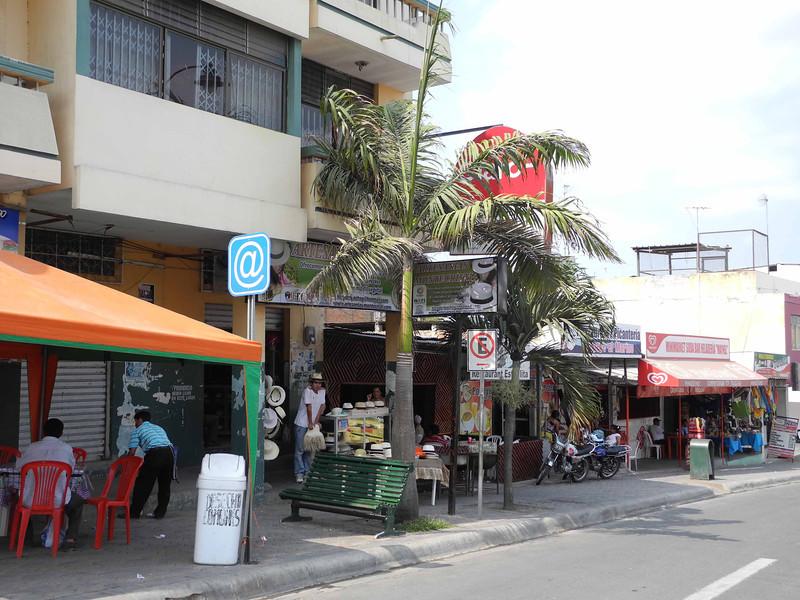 43 Montecristi street